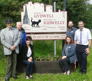 Co-operative support Kidwelly and Mynyddygarreg in Bloom